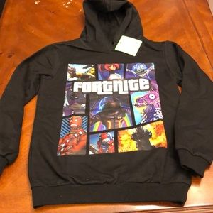 NWT Fortnite sweatshirt. Boys small.